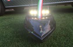 futterboot mit rampenlicht Beleuchtung